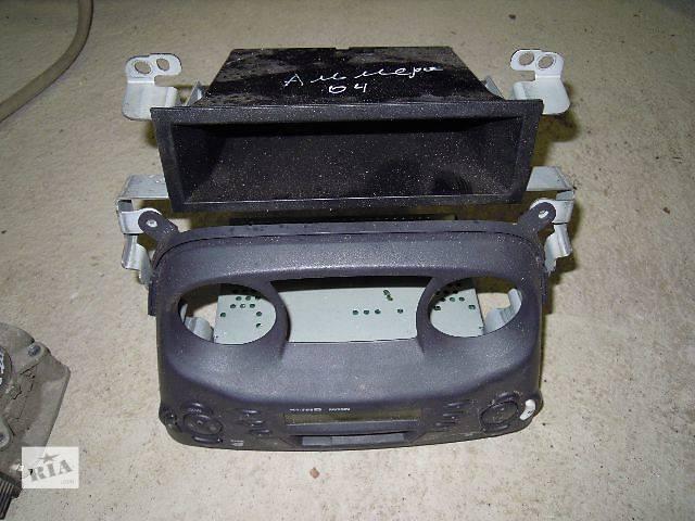 купить бу Б/у автомагнитола для легкового авто Nissan Almera N-16 (2005) в Ровно