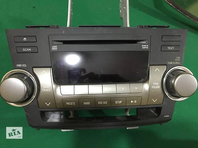 продам Б/у автомагнитола для легкового авто Toyota Highlander бу в Запорожье