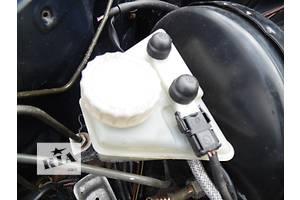 б/у Бачки главного тормозного цилиндра Mercedes 124