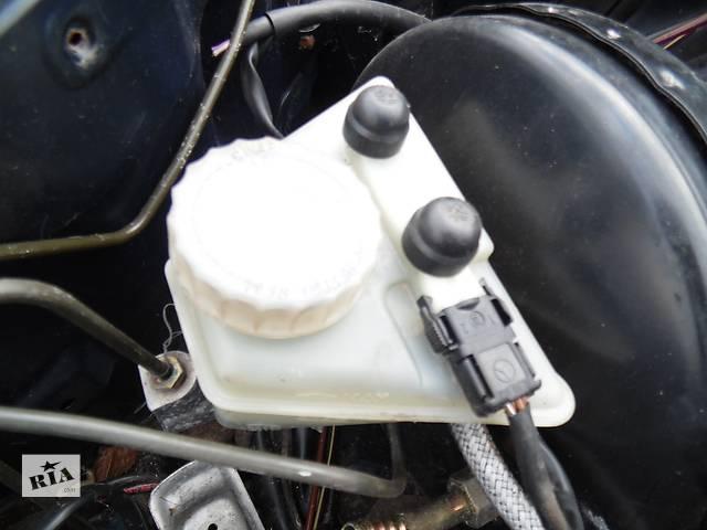 Б/у бачок главного тормозного для легкового авто Mercedes 124- объявление о продаже  в Дубно