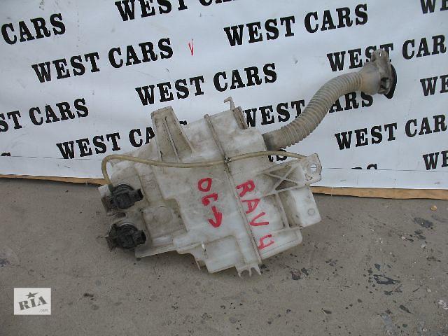 купить бу Б/у бачок омывателя для легкового авто Toyota Rav 4 2007 в Луцке