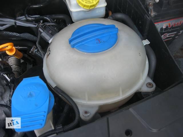 купить бу Б/у бачок расширительный Volkswagen T5 2.5 tdi в Ровно