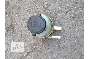 б/у Бачок жидкости ГУ Toyota Camry