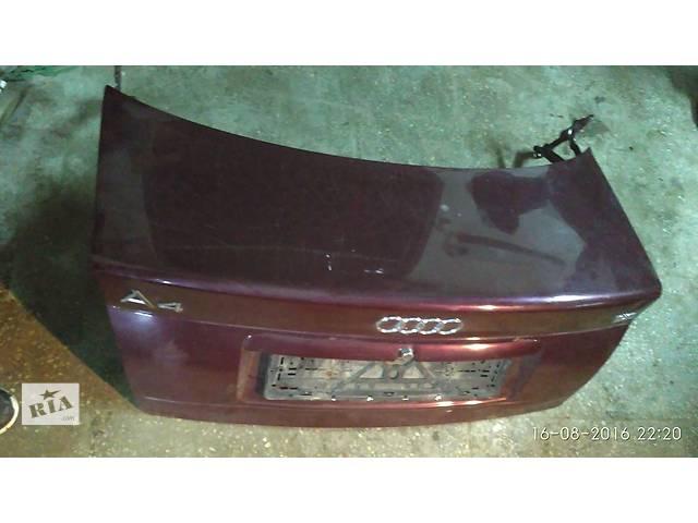купить бу Б/у багажник для седана Audi A4 в Луцке