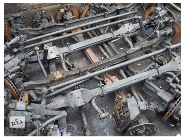 купить бу Б/у балка передней подвески для грузовика Mercedes в Калуше