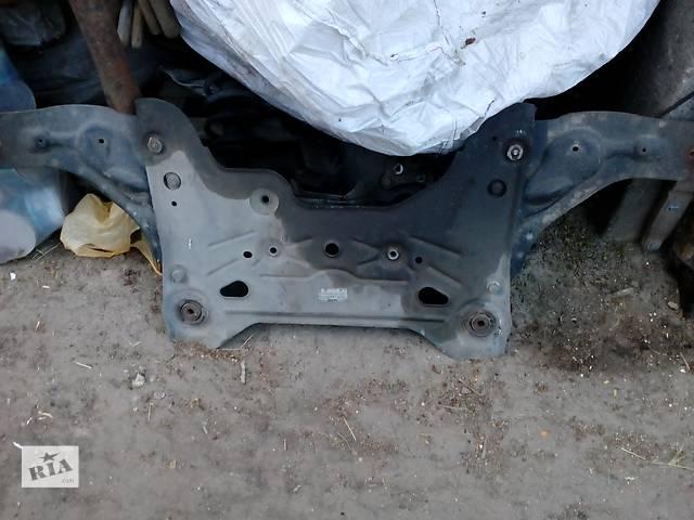 бу Б/у балка передней подвески для минивена Renault Trafic в Ровно