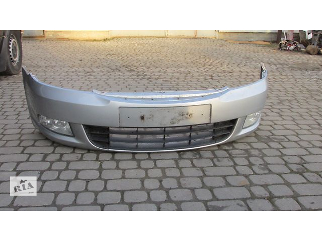 купить бу Б/у бампер передний для хэтчбека Skoda Octavia A5 2010 в Пустомытах