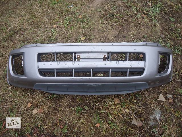 бу Б/у бампер передний для кроссовера Toyota Rav 4 в Киеве