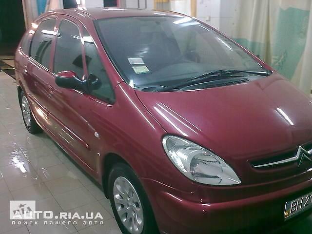 продам Б/у бампер передний для легкового авто Citroen Xsara Picasso бу в Днепре (Днепропетровск)