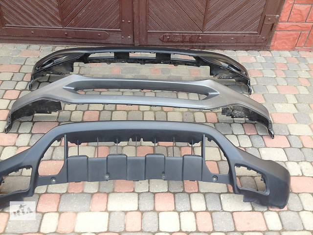 продам Б/у бампер передний для легкового авто Honda CR-V бу в Львове