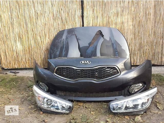 бу Б/у бампер передний для легкового авто Kia Ceed в Здолбунове