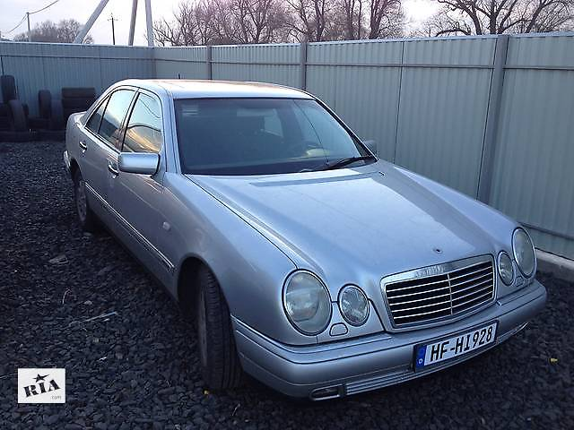 купить бу Б/у бампер передний для легкового авто Mercedes 210 в Луцке