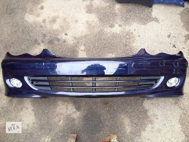 продам Б/у бампер передний для легкового авто Mercedes C-Class W203 (A2038853025) бу в Луцке