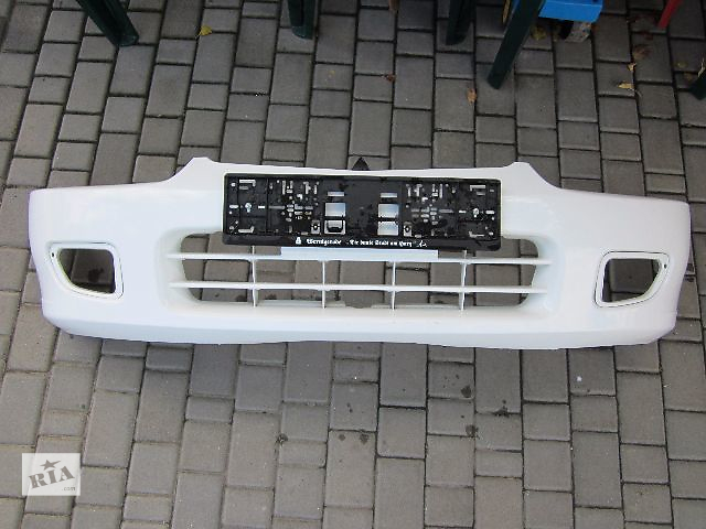 продам Б/у бампер передний для легкового авто Mitsubishi Colt 1996-2003 бу в Киеве