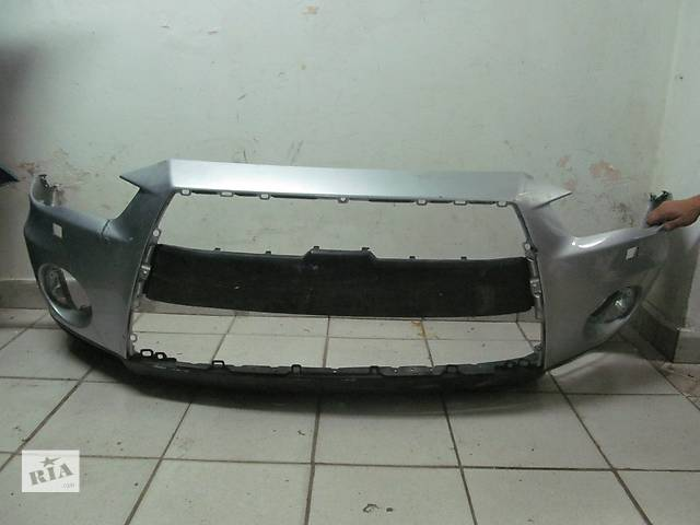 продам Б/у бампер передний для легкового авто Mitsubishi Outlander XL 2010-2012 бу в Львове