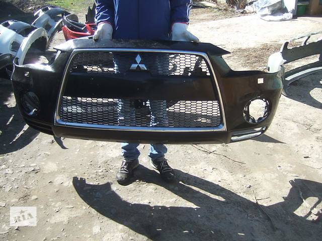 купить бу Б/у бампер передний для легкового авто Mitsubishi Outlander XL в Ровно