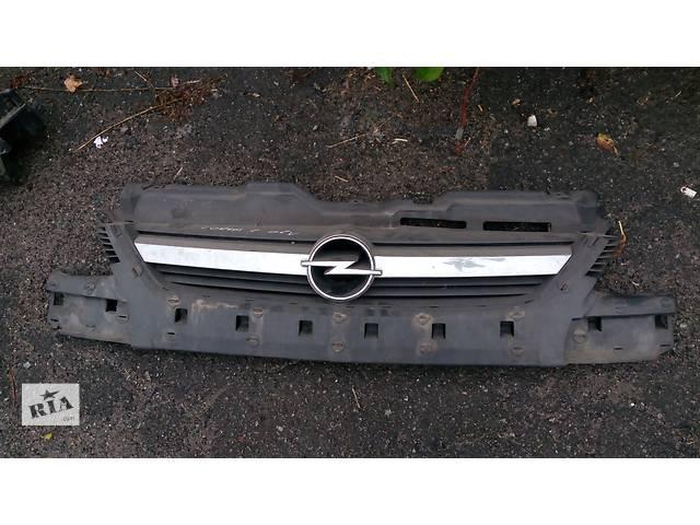 бу Б/у бампер передний для легкового авто Opel Combo в Луцке