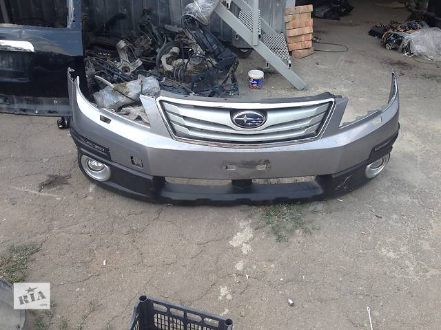 продам Б/у бампер передний для легкового авто Subaru Outback бу в Ровно
