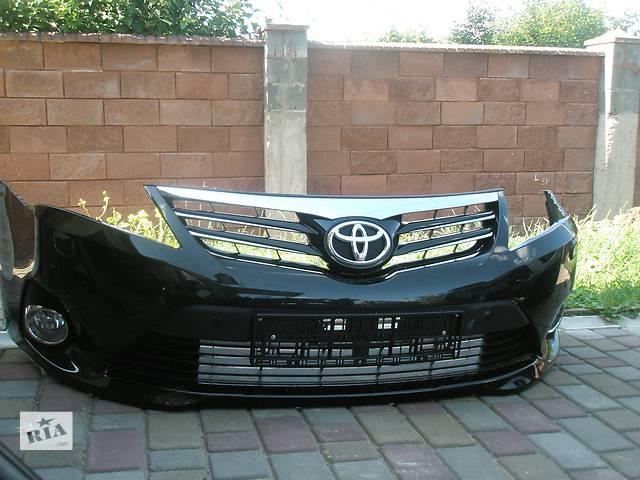 бу Б/у бампер передний для легкового авто Toyota Avensis 2009-2014 в Ровно