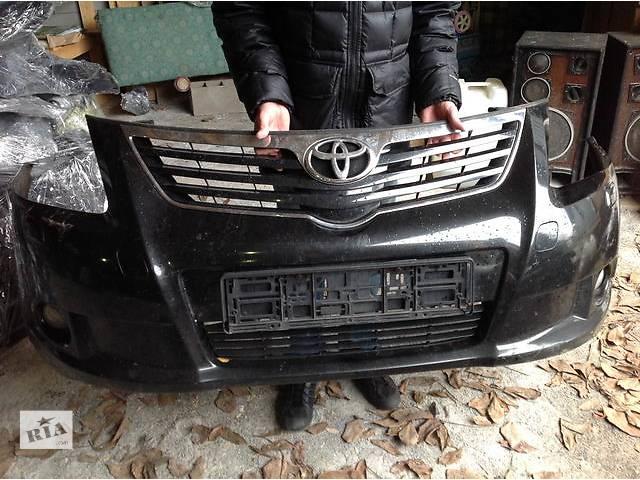 продам Б/у бампер передний для легкового авто Toyota Avensis бу в Ровно