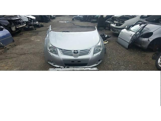 продам Б/у бампер передний для легкового авто Toyota Avensis бу в Здолбунове