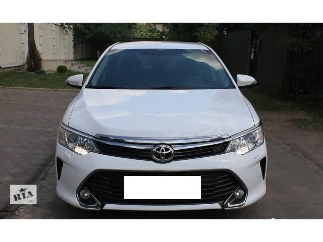 продам Б/у бампер передний для легкового авто Toyota Camry 55 бу в Киеве