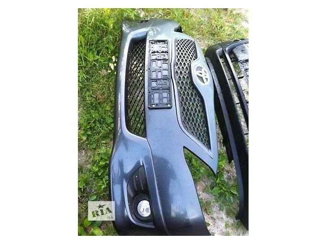бу Б/у бампер передний для легкового авто Toyota Camry в Ровно