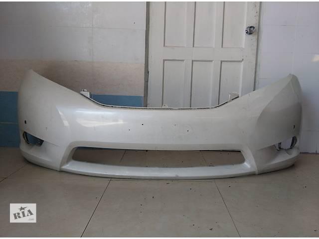 купить бу Б/у бампер передний для легкового авто Toyota Sienna 2011-2013 в Львове