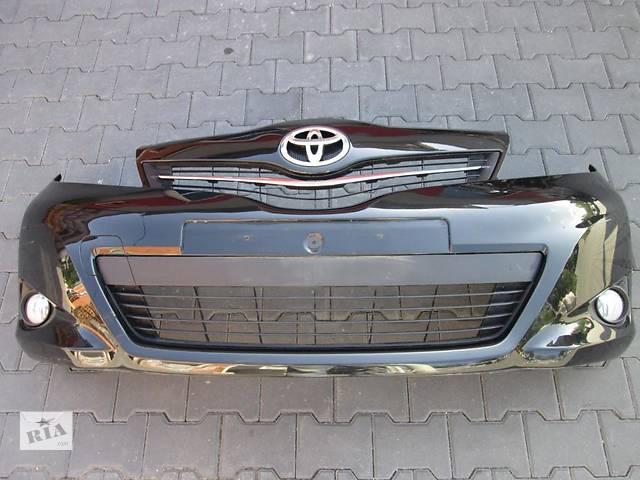бу Б/у бампер передний для легкового авто Toyota Yaris в Чернигове