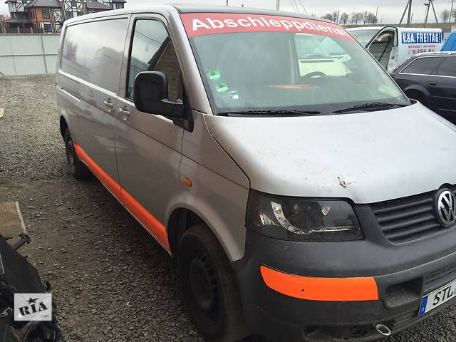 продам Б/у бампер передний для легкового авто Volkswagen T5 (Transporter) бу в Луцке