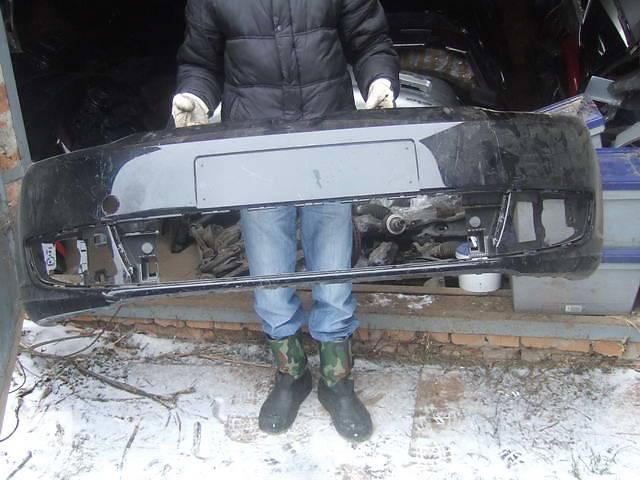 бу Б/у бампер передний для легкового авто Volkswagen Touran в Ровно