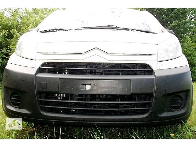 купить бу Б/у бампер передний для Пежо Эксперт Peugeot Expert 2007- в Ровно
