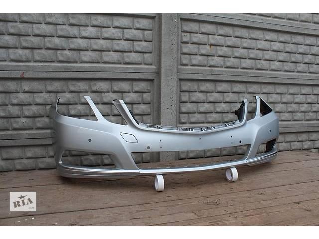 купить бу Б/у бампер передний для седана Mercedes E-Class в Черновцах