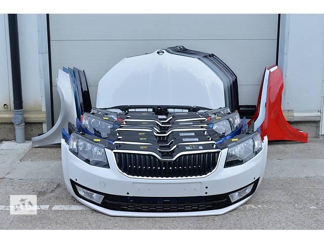 купить бу Б/у бампер передний для седана Skoda Octavia в Львове