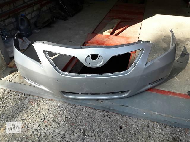 купить бу Б/у бампер передний для седана Toyota Camry 40 в Одессе