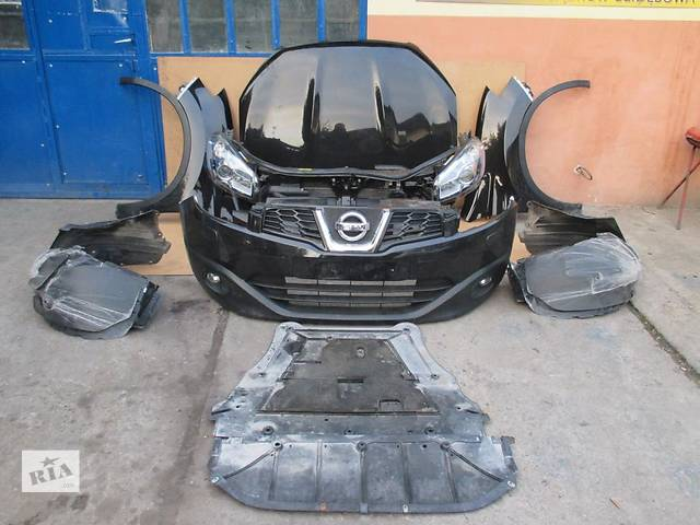 купить бу Б/у Бампер передний Nissan Qashqai 2010 в Киеве