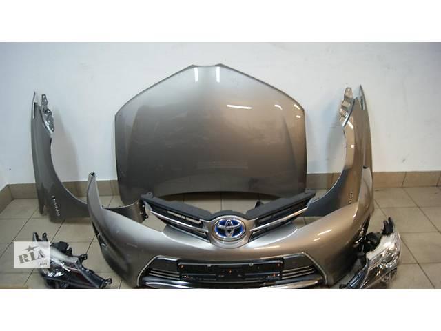 купить бу Б/у Бампер передний Toyota Auris 2013-2014 в Киеве