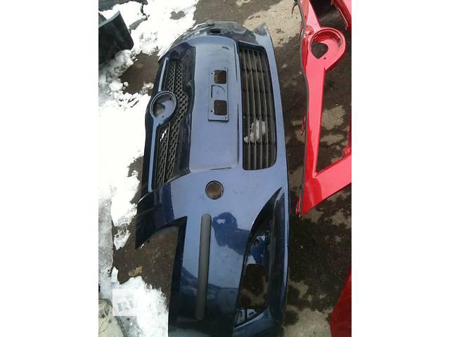 продам Б/у бампер передний  Toyota Auris бу в Киеве