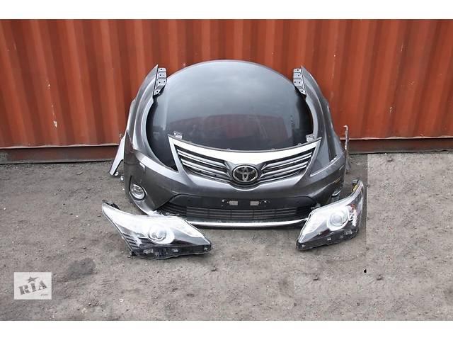 купить бу Б/у Бампер передний Toyota Avensis 2012-2014 в Киеве