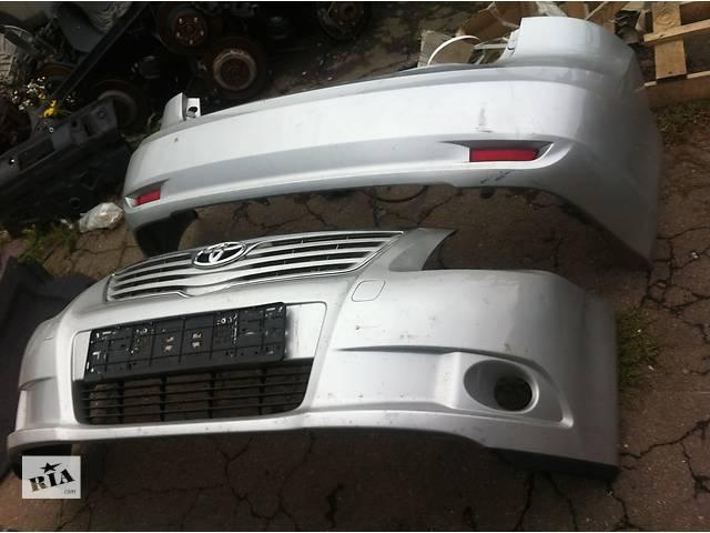 продам Б/у бампер передний  Toyota Avensis бу в Киеве
