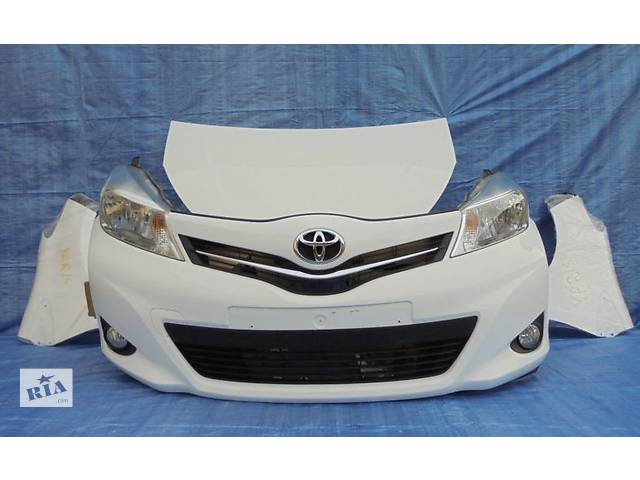 купить бу Б/у Бампер передний Toyota Yaris 2011-2013 в Киеве