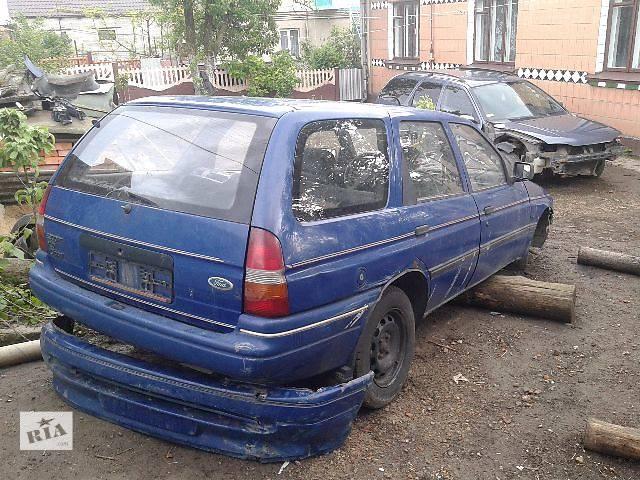 бу Б/у бампер задний для легкового авто Ford Escort в Ровно