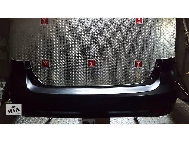 продам Б/у бампер задний для легкового авто Toyota Avensis бу в Ровно