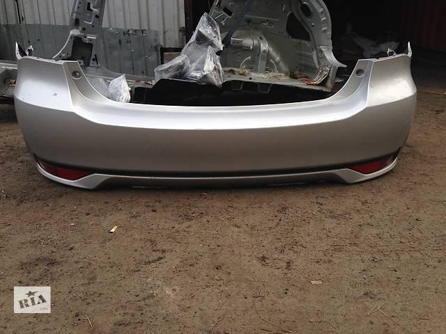 купить бу Б/у бампер задний для легкового авто Toyota Avensis в Ровно