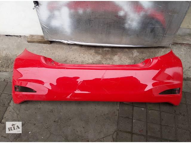 купить бу Б/у бампер задний для легкового авто Toyota Yaris 2011-2013 в Львове