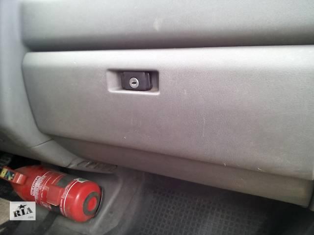 бу Б/у бардачок для легкового авто Volkswagen T4 (Transporter) в Ивано-Франковске