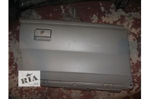 б/у Бардачки Toyota Camry
