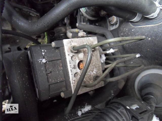 бу Б/у блок абс 44050-05010 для седана Toyota Avensis 1999г в Киеве