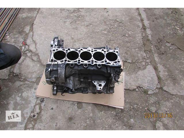 купить бу Б/у блок двигателя AXD AXE BNZ BPC 2.5TDi 96kw 128kw для легкового авто Volkswagen T5 (Transporter) 2008 в Хусте