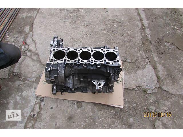 купить бу Б/у блок двигателя AXD AXE BNZ BPC для легкового авто Volkswagen Multivan 2008 в Хусте